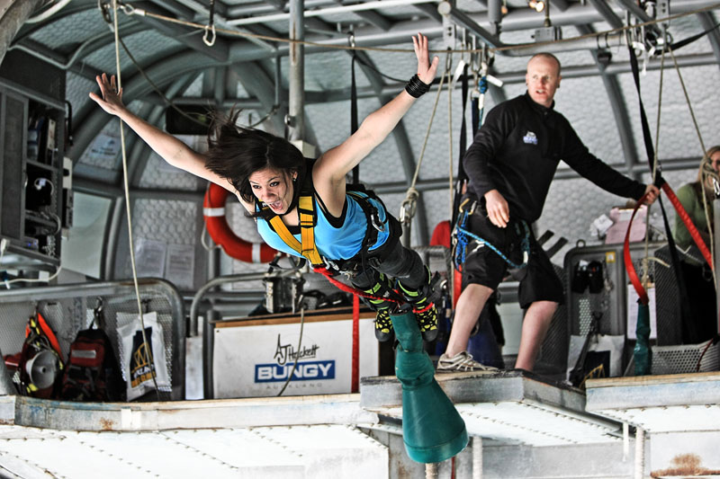 Bungy-Photos-Auckland-Bridge-Bungy1-